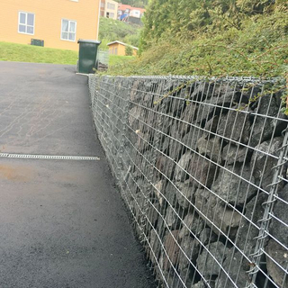 Hot Dipped Galvanized 100x30x30cm Gabions Welded Gabion Wall